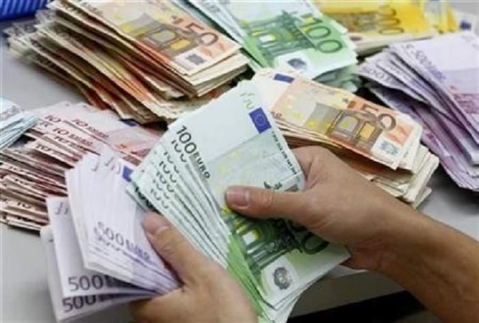 Are în buzunar o afacere de sute de milioane de euro, dar caută bani cu împrumut!