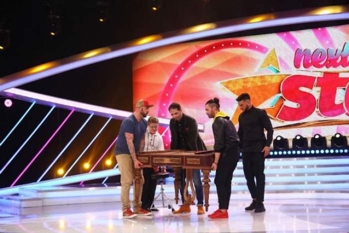 """Pepe, CRBL, Dorian Popa și Dan Negru îi cară țambalul unui concurent,  pe scena de la """"Next Star"""""""