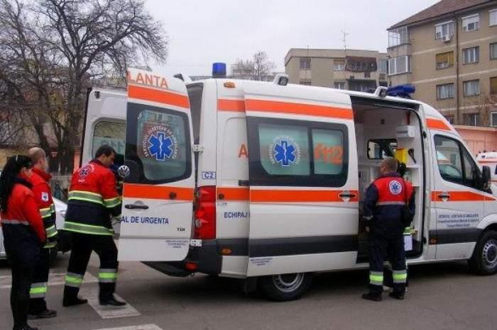Cum pleacă la intervenţie ambulanţele din România. Nici pe vremea lui Ceauşescu nu se întâmpla aşa ceva!