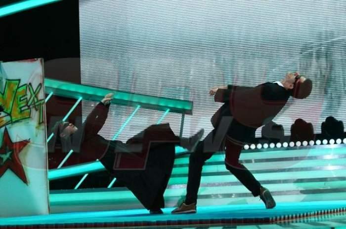 """FOTO / Robert, campion mondial la arte marțiale mixte, recreează o scenă din """"Matrix"""", în marea finală """"Next Star"""""""