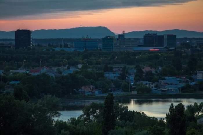 FOTO / Fenomen senzaţional vizibil în Bucureşti! Munţii Carpaţi au putut fi admiraţi din cartierul Colentina
