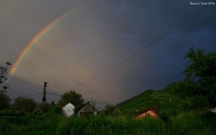 FOTO / Fenomen rar surprins după o furtună puternică! O mulţime de oameni a admirat imaginile spectaculoase