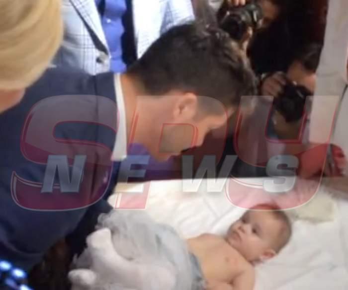 FOTO / Incident în biserică. Fetiţa Andei Adam, la un pas să nu fie botezată? Ce s-a întâmplat la botez