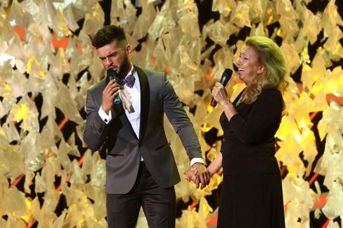"""FOTO / Dorian Popa, de mână cu cea mai importantă femeie din viaţa lui pe scenă! """"Am vrut să fie un moment special"""""""