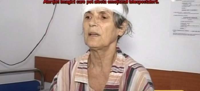 VIDEO / Imagini cu puternic impact emoțional! O fostă profesoară a fost atacată de mai mulți câini, care au lăsat-o fără o ureche