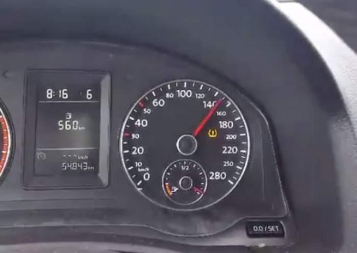 VIDEO / Ce inconştient! Mihai Trăistariu s-a filmat în timp ce goneşte cu 150 de km pe oră
