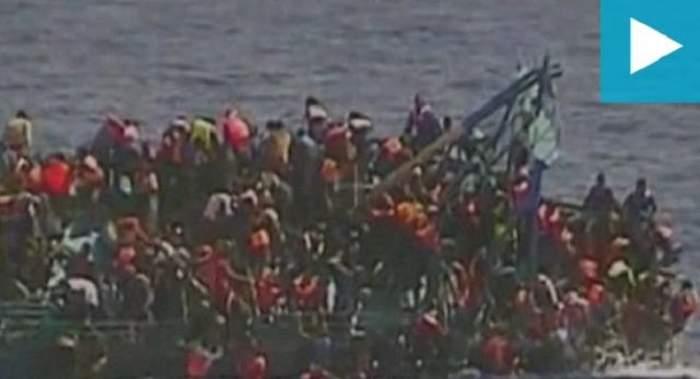 VIDEO / Momente teribile pentru sute de imigranţi! Barca s-a scufundat şi o femeie a fost decapitată