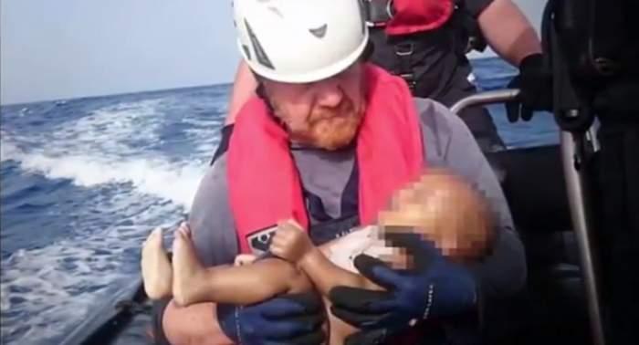 VIDEO / Imagini care îţi sfâşie inima! Adevărul crud din spatele acestei fotografii