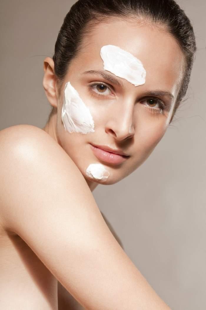 Spune-mi ce problemă de piele ai, ca să-ţi spun ce vitamină să iei! Ghidul de alegere a alimentaţiei şi a cremelor cosmetice