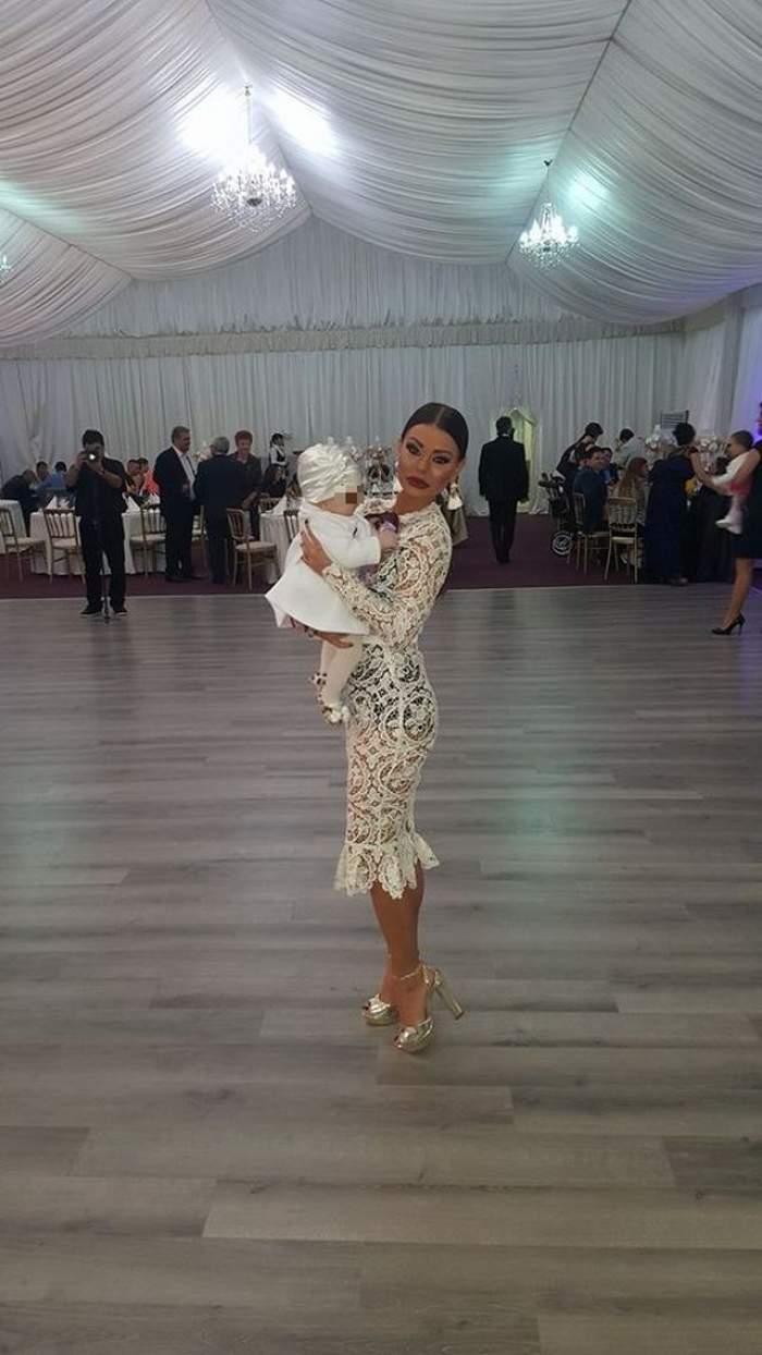 """VIDEO / Ana Mocanu a """"rupt: ringul de dans la botezul fetiţei prietenei ei! Asistenta """"păcătoasă"""" a luat bebeluşul în braţe şi s-a dezlănţuit"""