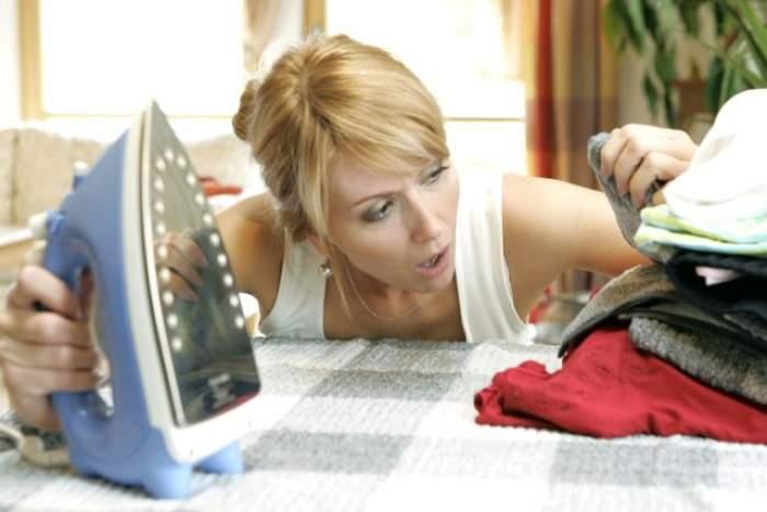 ÎNTREBAREA ZILEI - MIERCURI: Cum îți îndrepți hainele șifonate, fără a le călca? Încearcă și tu acest truc