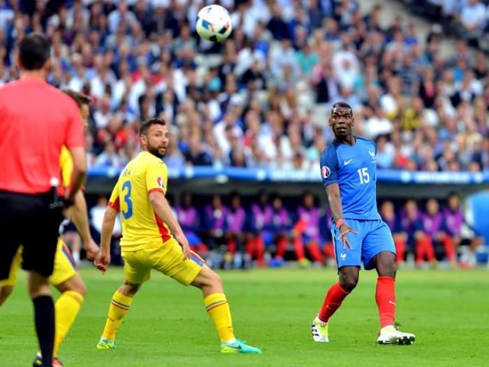 INCREDIBIL! La finalul meciului Franţa – România, Răzvan Raţ l-a înjurat pe Dimitri Payet! Starul francez a avut o reacţie neaşteptată!