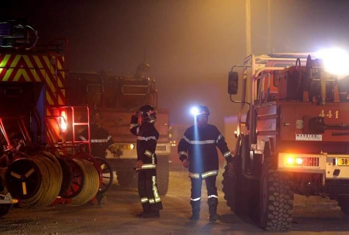 Incendiu în Bucureşti! Pompierii se luptă cu flăcările în aceste momente
