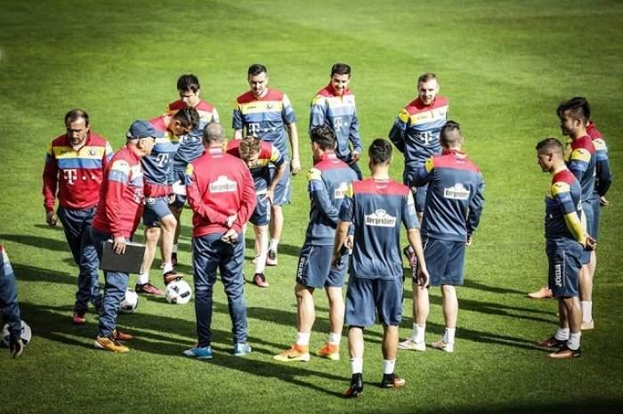 """Tensiune, presiune, dar mai bine facem glume! Iată cum s-au relaxat """"tricolorii"""" în Franţa / FOTO ÎN ARTICOL"""