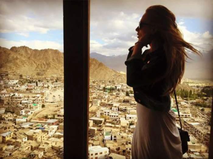 VIDEO & FOTO / Iulia Vântur a găsit soluţia perfectă pentru înlăturarea stresului înainte de nunta cu Salman Khan