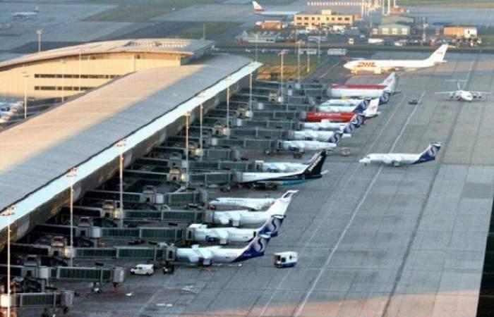 """Alertă cu bombă """"extrem de gravă"""" în 2 avioane care urmau să aterizeze la Bruxelles"""