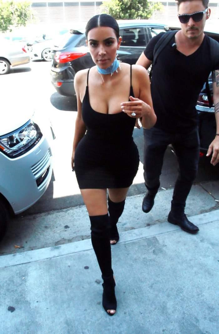 VIDEO&FOTO / Sâni - mişto, fund - beton! Apariţie HOT a starletei Kim Kardashian