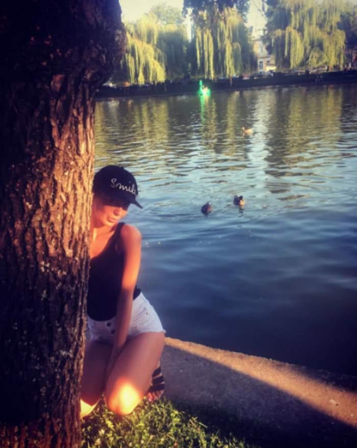 """FOTO / A pozat în ipostaze XXX, însă acum trupul ei e invadat de CELULITĂ! Poza de INFARCT cu Deea de la """"Temptation Island – Insula iubirii"""" UDĂ a dat-o de gol"""