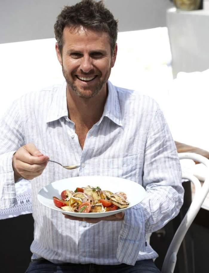Cercetătorii au găsit ce trebuie să mănânci ca să miroși irezistibil! Consumă aceste alimente pentru un succes garantat
