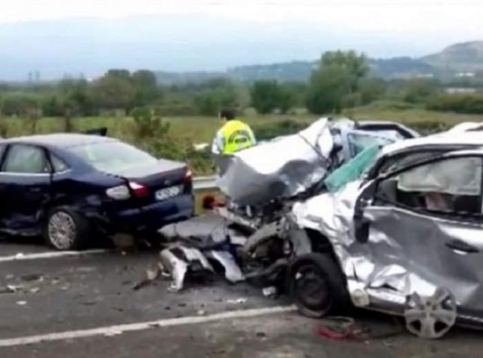 Accident teribil în această seară! Două femei au murit și ale două au fost grav rănite! Traficul a fost complet paralizat