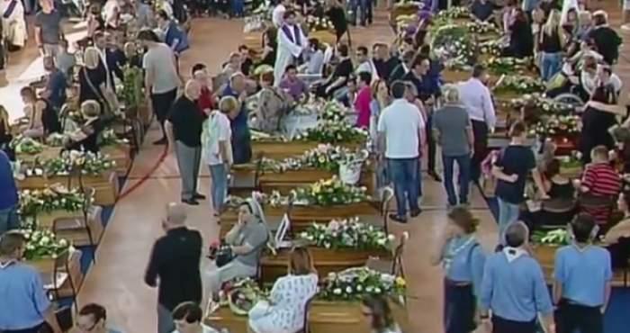 VIDEO / Bilanţul victimelor cutremurului din Italia a crescut la 291! Imagini dureroase cu înmormântările celor decedaţi în seism