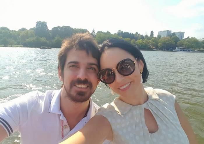 """Andreea Marin și soțul ei s-au distrat în parc: """"Barca mi-a amintit de noi, la început de drum"""""""