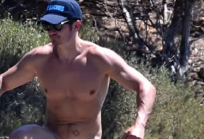 """VIDEO / Orlando Bloom, dezbrăcat la plajă împreună cu Katy Perry! Imaginile au făcut înconjurul lumii. Cât de """"dotat"""" este unul dintre cei mai doriţi bărbaţi"""