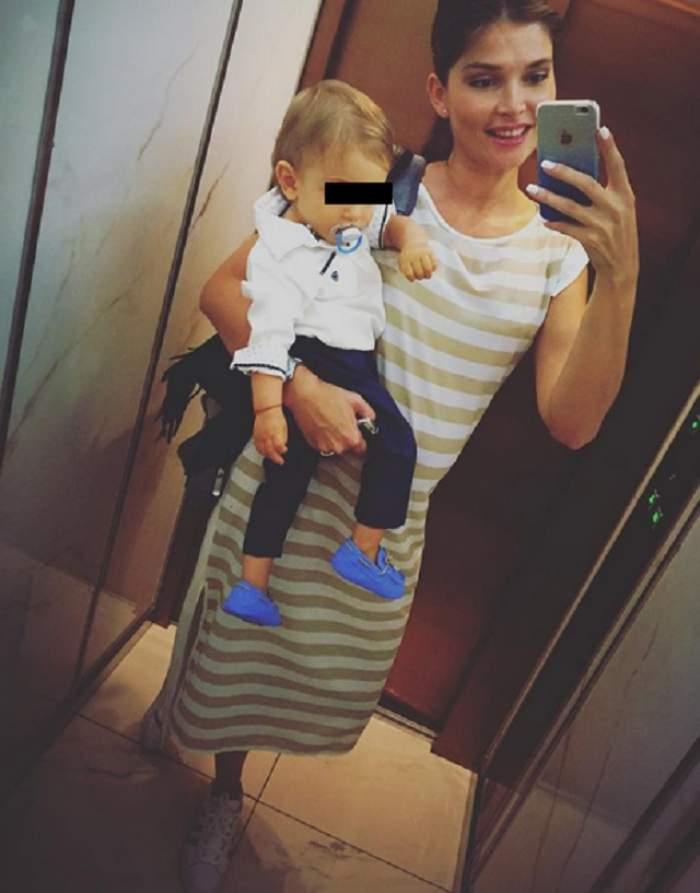 """Alina Puşcaş, la proba costumului de baie în trimestul doi de sarcină! Prietenii au avertizat-o imediat: """"Ai grijă! Au anunţat că sunt ţânţari purtători de virus"""""""