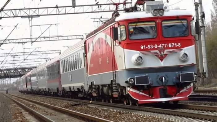 """Incediu într-un tren care circula pe ruta Mărășești-Buzău: """"Există pericolul de explozie!"""""""
