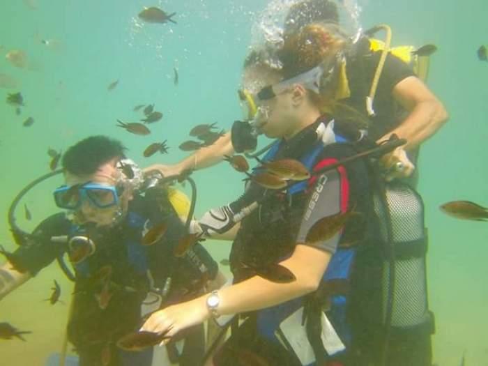 """FOTO / Elly și Cristian de la """"Mireasă pentru fiul meu"""", scufundați până la fund! Imaginile care îi vor lovi pe invidioși în punctul slab"""