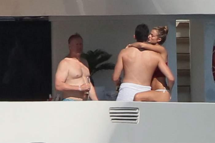 FOTO / Atingeri pasionale şi săruturi fierbinţi în văzut tuturor! Actriţa Cody Horn şi Kevin Love, surprinşi în timpul preludiului