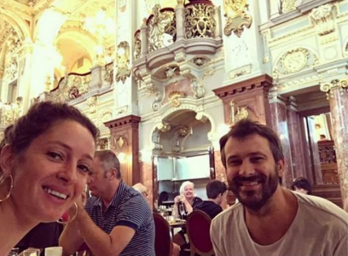 FOTO / Ce SOŢIE FRUMOASĂ are chef Nicolai Tand! Fără sutien, Monica a făcut SENZAŢIE