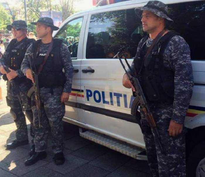 Au deschis portbagajul şi au rămas şocaţi! Ce au găsit poliţiştii în maşina unor turişti