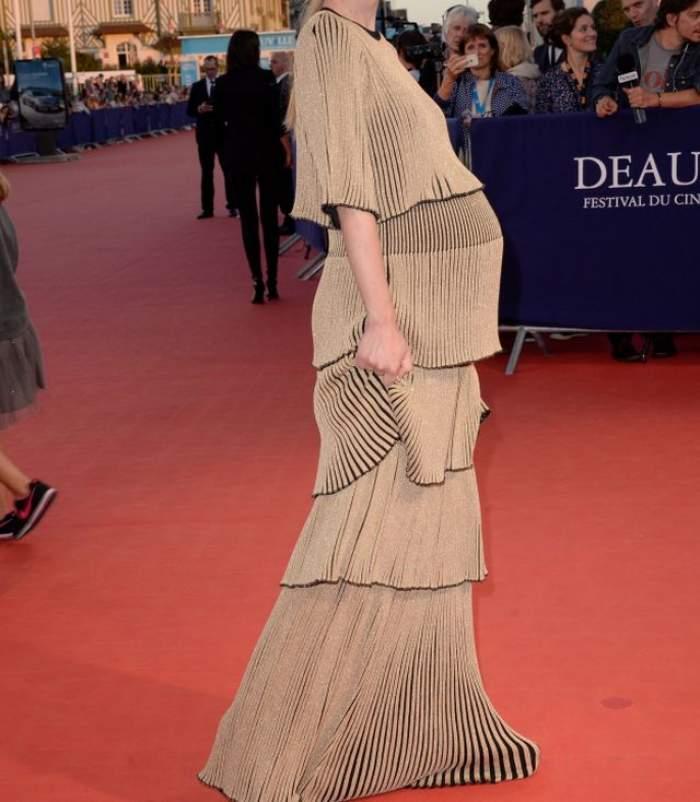 """FOTO / Bucurie mare pentru fanii seriei """"Harry Potter""""! O actriță este însărcinată pentru prima dată și a făcut senzație pe covorul roșu"""