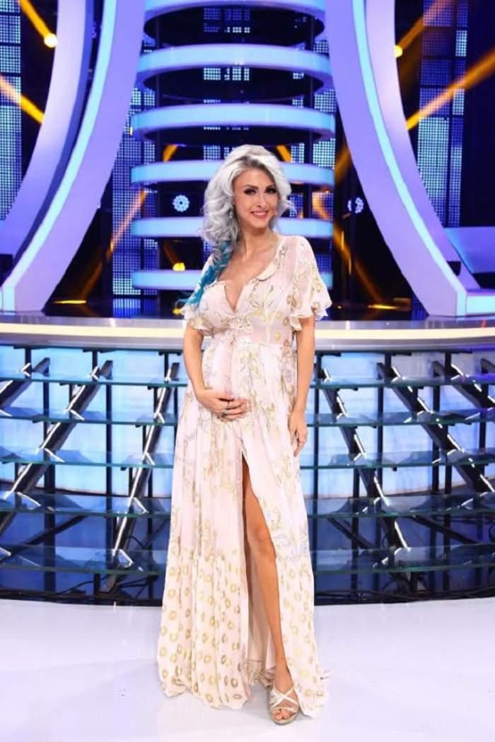 """În sfârşit! Andreea Bălan a ales numele fetiţei! """"Este pregătit absolut totul"""""""