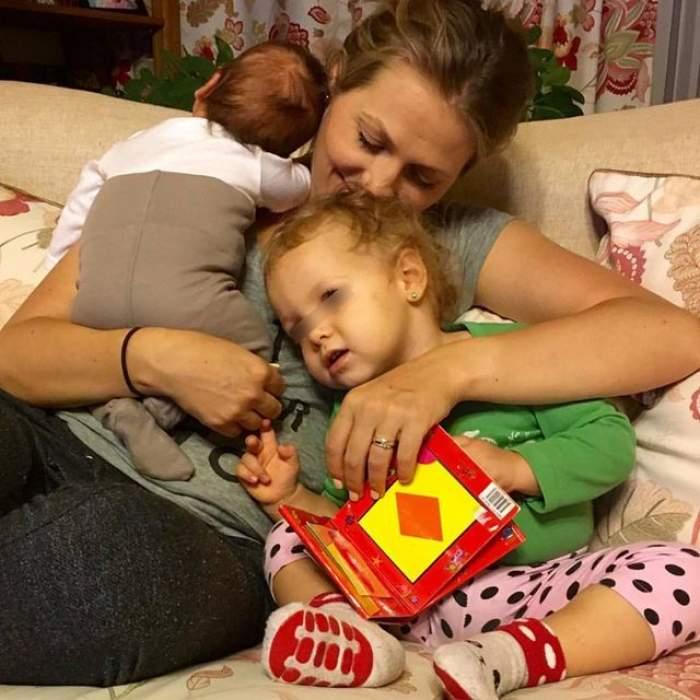 Ce familie frumoasă! Imagine emoţionantă cu Mirela Boureanu Vaida şi cei doi copii!