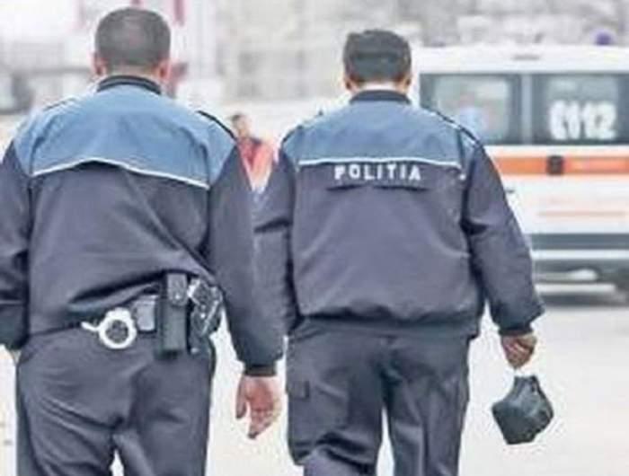 Cea mai mare gafă a Poliţiei Române! Garcea e copil în pantaloni scurţi pe lângă aceşti agenţi