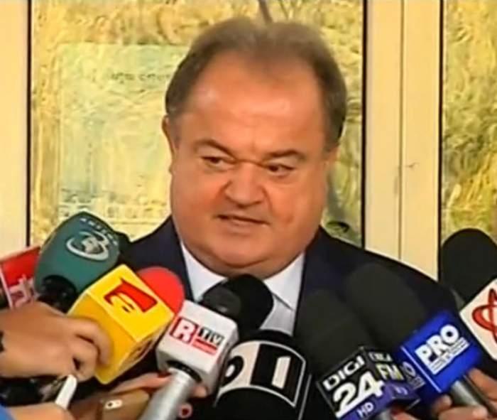 VIDEO / Vasile Blaga şi-a dat demisia din funcţia de co-preşedinte al PNL