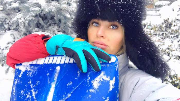 """Andreea Bănică, în depresie postnatală: """"Am început să plâng, ba că mi s-a ars pompa de sân, ba..."""""""