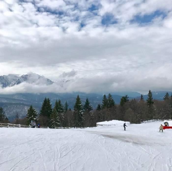 FOTO / A fugit de Bucureşti şi se distrează la munte! Uite cum se relaxează o cunoscută prezentatoare de la noi
