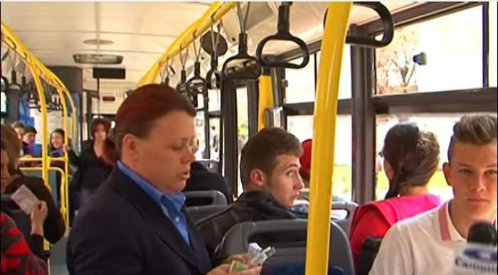 Au călătorit cu autobuzul mai mult timp fără să îşi dea seama că pasagerul de lângă ei era MORT