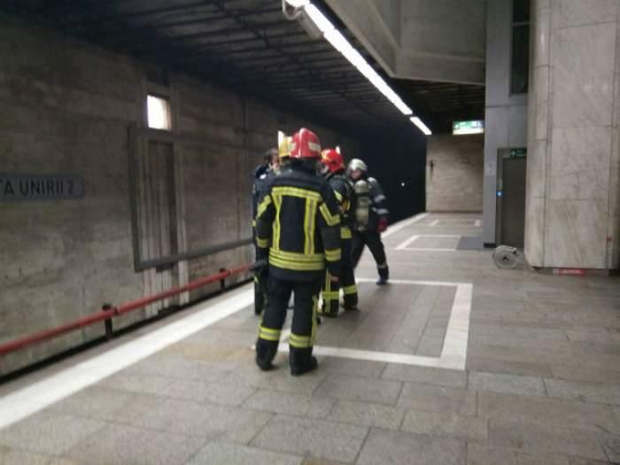 PANICĂ la metrou! Oamenii au fost evacuați