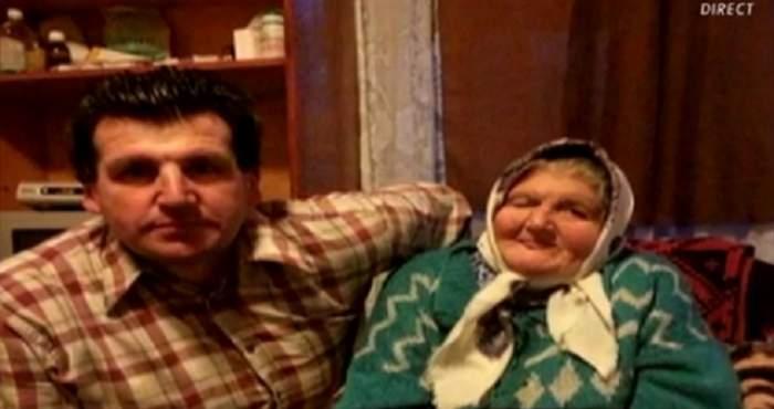 """VIDEO / Aurel Tămaş şi-a condus mama pe ultimul drum: """"Mi-a zis că se pregăteşte să se ducă la omul ei"""""""
