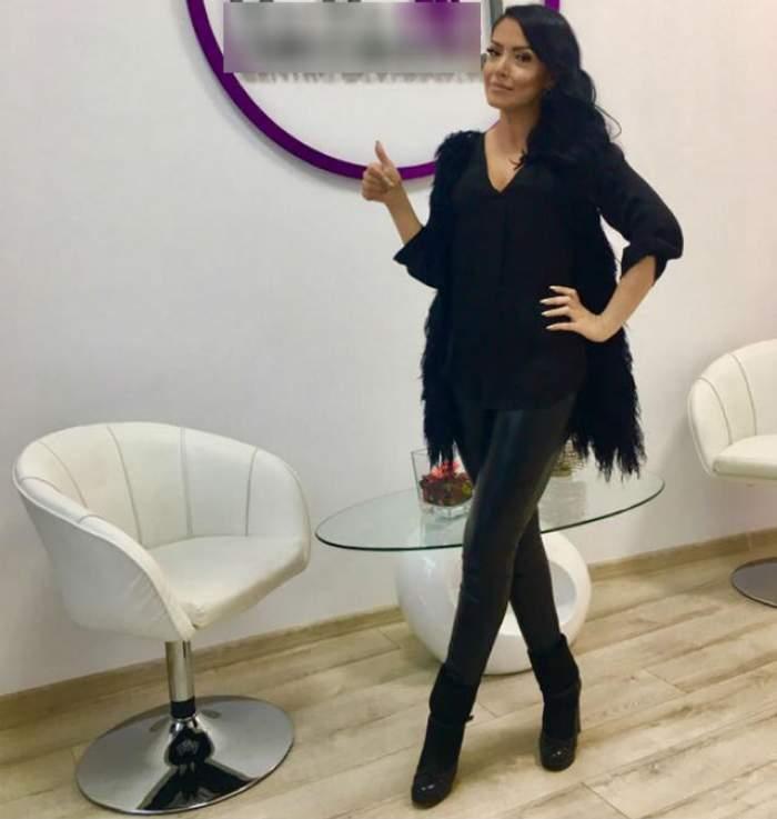 """Andreea Mantea, fotografiată în costum de baie! A vrut să fie sexy, dar un fan i-a spus-o direct: """"Aşa picioare butuci..."""""""