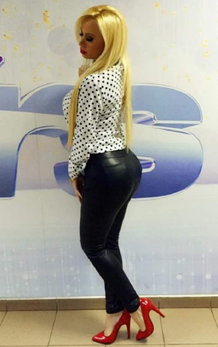 FOTO / Simona Traşcă s-a îngrăşat considerabil! Noua ei meserie SURPRINZĂTOARE este de vină