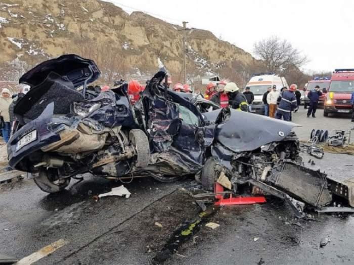 FOTO / Două persoane au murit şi alte două au fost grav rănite într-un accident rutier, în Constanţa