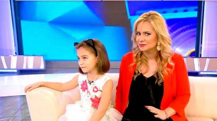 VIDEO & FOTO / Fiica Paulei Chirilă a spus în direct, la TV, că vrea o SURIOARĂ! Reacţia vedetei, dar şi răspunsul AMUZANT dat de Carla