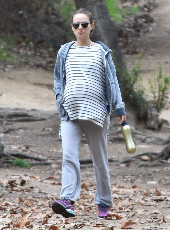 FOTO / Natalie Portman mai are puţin şi naşte! Uite ce burtă mare are actriţa!