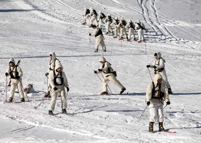 VIDEO / Cum se pregătesc militarii români pentru război! Imagini incredibile
