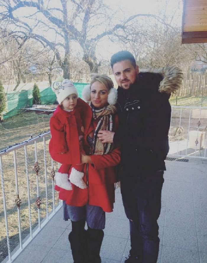 VIDEO / Sânziana Buruiană îşi răsfaţă fetiţa nevoie mare! Trebuie să îi vezi cum reacţionează micuţa